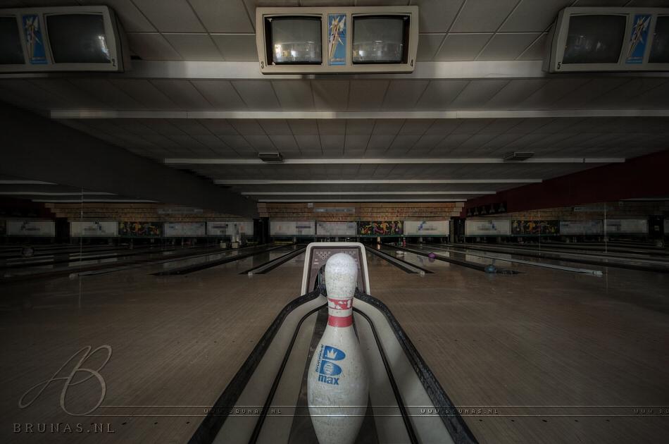 Bowling M